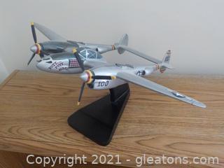 WW2 Lockheed Fighter Model Airplane W/Twin Engines P38J Lightning