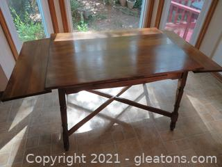 Sturdy Mid Century Kitchen Table with Extensions
