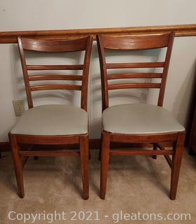 Set of 2 Fashionable Dining Room Chairs