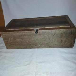 Primitive Wood Box Made From the Stuve Barn