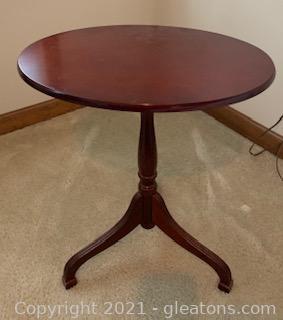 Small Oval Mahogany Tilt Top Side Table
