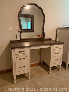 KPL Furniture Co Desk/Vanity with Mirror