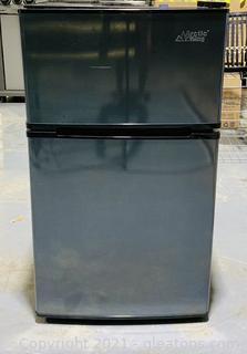 Arctic King Black Personal Fridge - Great for the Dorm!