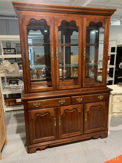 Traditional Thomasville Lighted Cherry China Cabinet