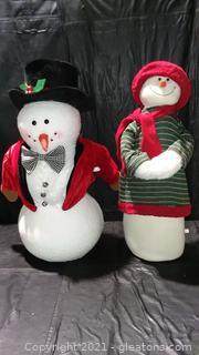 2 Gleeful Stuffed Snow People