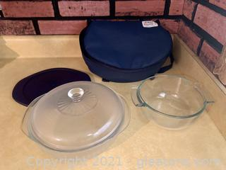 Pyrex Carry Bag and Dishes