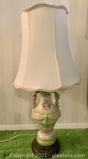 Perfect Floral Urn Style Table Lamp