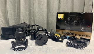 Nikon D5000 DSLR Camera  Kit