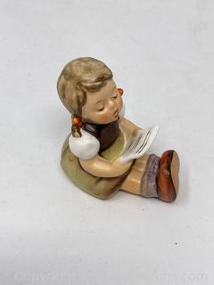 "Hummel Figurine : ""Girl with Sheet Music"" TMK5"