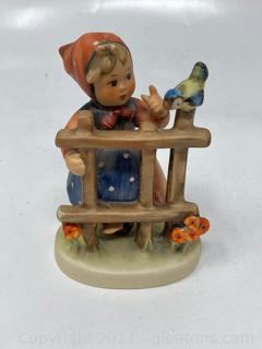 "Hummel Figurine : ""Signs of Spring"""