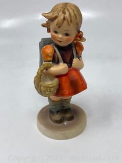 Hummel Goebel  School Girl 81/0 Figurine