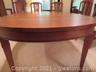 Beautiful Mid Century Broyhill Walnut Dining Room Table