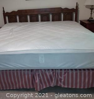 Mid Century Bassett Industries King Size Bed Frame and Headboard (Mattress not Included)