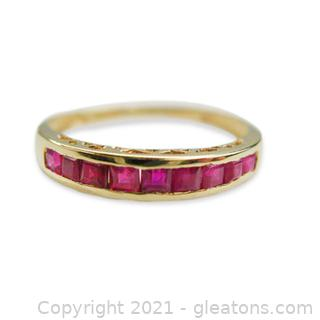 Beautiful 14kt Gold Ruby Ring - Size 7