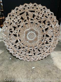 Farmhouse Inspired Distressed Wall Medallion