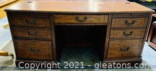 Luxurious 7 Drawer Credenza Desk