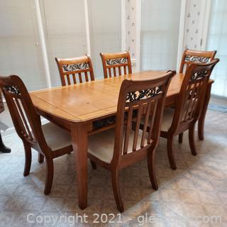 Classic Shaker Flare Leg Dinette Set - Table and 6 chairs