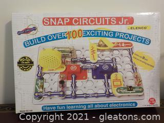 Snap Circuits Jr. Build Over 100 Exciting Projects