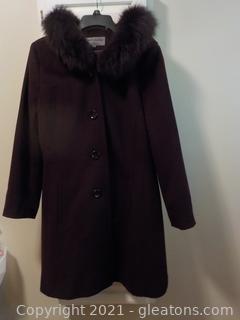 Elegant Ladies Wool Coat with Authentic Fur Trim