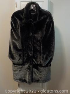 Karen Kane Sz.L. Waist Length Coat. Beautiful Shimmery Look