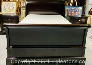 Magnificent Ebony Queen Sleigh Bed