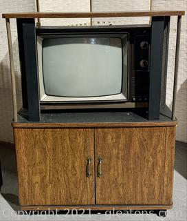1979 RCA TV with Vintage Cabinet