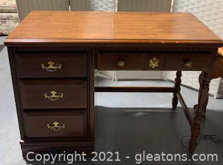 Bassett Furniture Virginia Colony Collection Writing Desk