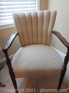 Traditional 1940s Mahogany Arm Chair