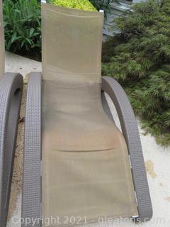 Tanning Ledge Chair B