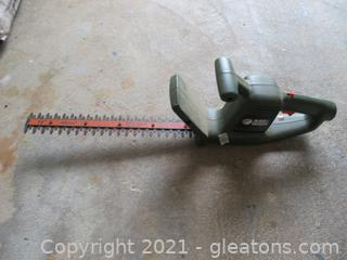 """Black and Decker Trimmer 16"""" Electric"""