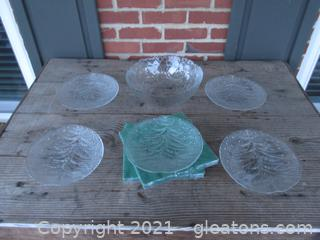 Clear Press Glass Serving Bowl  with leaf and grape design / 5 Plates with Pine Tree and Rain Drops / Green Paper Napkins