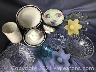 Dish lot, bowl, plates and garlic roaster