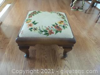 MAPLE WOOD FOOTSTOOL WITH NEEDLE POINT TOP