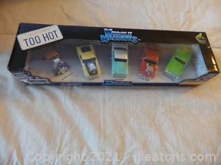 5 MUSCLE MACHINES CARS 1:64 SCALE