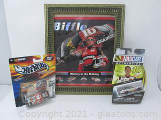 Greg Biffle AUTOGRAPHED 8x10 and 2 Cars New in Package