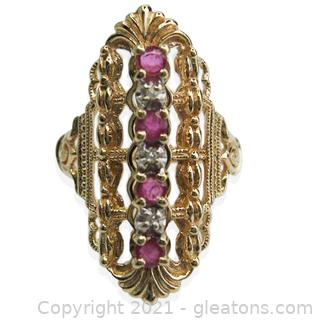 Beautiful Vintage Ruby and Diamond 10kt Yellow Gold Ring