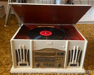 Leetac Tap-830 Record and Cassette Player