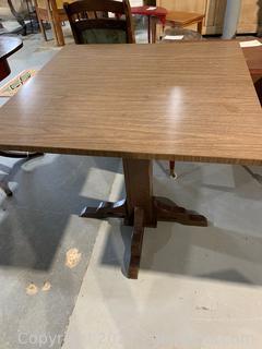 Pedestal Display\Dining Table