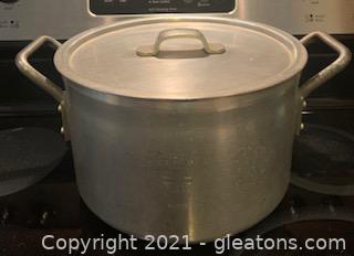 Wear-Ever Aluminum Stock Pot