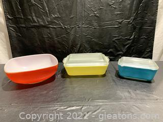 Vintage 1950's Pyrex Color Dishes