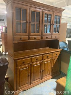 Wooden Lighted Hutch With China Cabinet