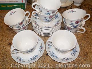 """Set of Beautiful Wedgewood """"Pot Pourri"""" Cups & Saucers"""