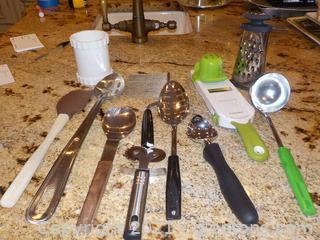 Kitchen Utensil Lot