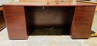 Stylish 5 Drawer Wood Grain Office Desk with Privacy Panel
