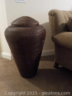 Large Brown Rattan Decor Basket W/Lid