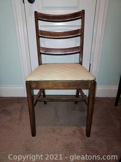 Traditional Ladder Back Side Chair