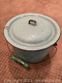 Green Enamel Pot W/Lid