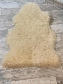 Single Lamb Skin Rug