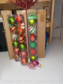 7 Sets of Oversize Christmas Ornament (30+)