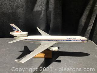 Delta MD-11 Model Airplane